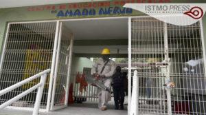 17 Abr Fumigan escuelas de Juchitán para prevenir dengue, zika y chikungunya3