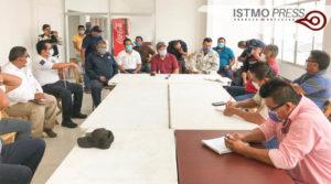 27 Abr Juchitán reunión con taxistas1