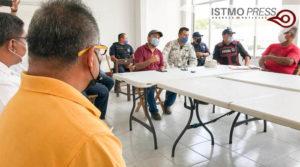 27 Abr Juchitán reunión con taxistas2