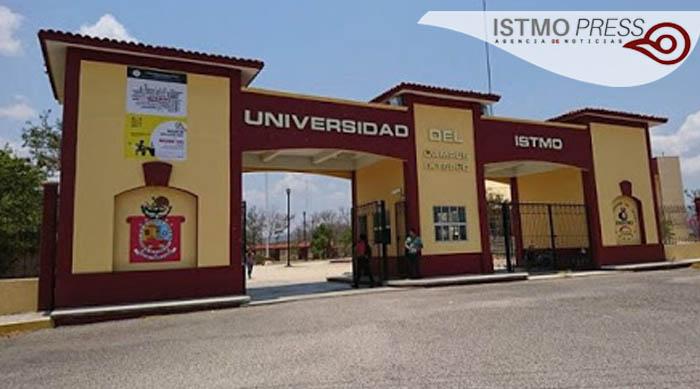 28 Abr  maestros que denunciaron violencia en UNISTMO1