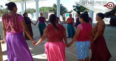 """04 May Cerrar los CAMIS's  en México es dejar a """"su suerte"""" a miles de mujeres indígenas del país"""