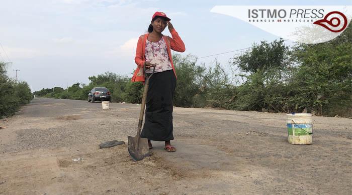 28 May Mirna mujer desempleada