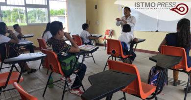 02 Jun A falta de internet maestro  en Oaxaca1