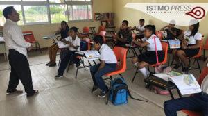 02 Jun A falta de internet maestro en Oaxaca3