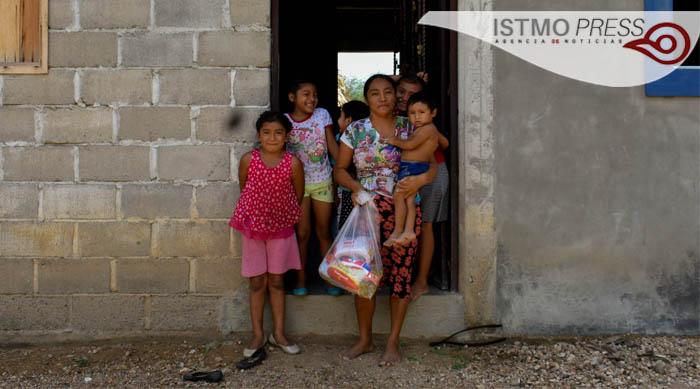 11 Jun Entrega apoyo Col Emiliano Zapata1