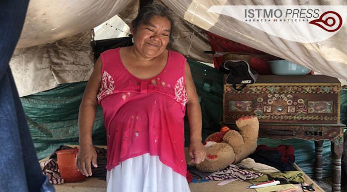 27 Jun Sobreviven debajo de lonas a casi tres años del terremoto