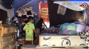 27 Jun Sobreviven debajo de lonas a casi tres años del terremoto3