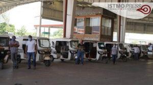 18 Jul Sanitiza FUCO mototaxis en Juchitán1