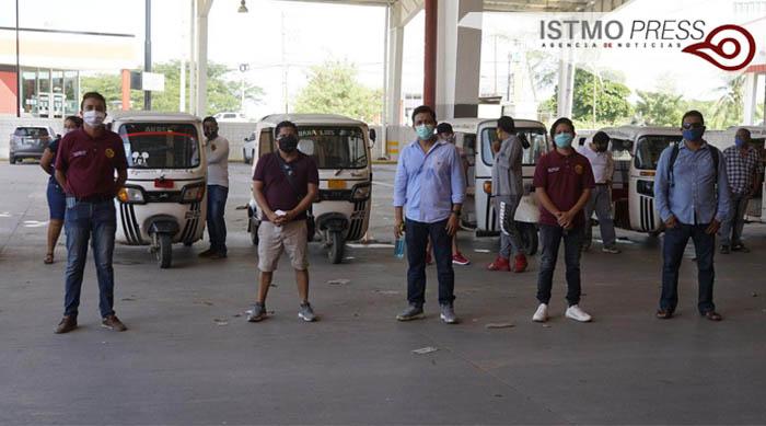 18 Jul Sanitiza FUCO mototaxis en Juchitán3