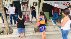 10 Ago Jóvenescumplen un mes de llevar comida a familias juchitecas