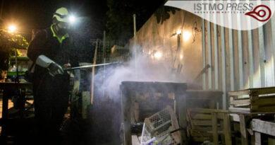 Desinfectan afueras mercado Juchitán3