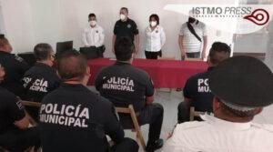 Capacitan a policias Juchitán2