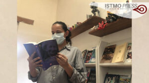 Damnificada en Oaxaca fomenta la lectura infantil2