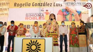 Rogelia González1
