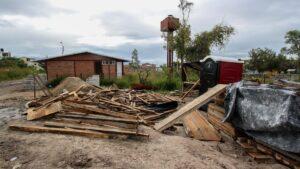 IMG_2 (Estragos de la obra en el terreno contiguo, donde se deposita material y sirve de paso a vehículos de construcción. Foto_ Juan José Plascencia