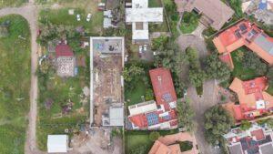 IMG_7 (De izquierda a derecha_ kínder, predio subastado, residencia de Gabriel Padilla) Foto_ Juan José Plascencia